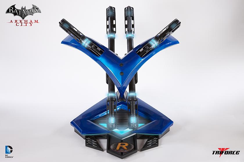 Batman: Arkham City Nightwing Arsenal Full Scale Replica