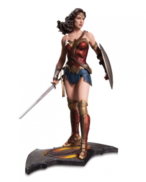 BATMAN v SUPERMAN: DAWN OF JUSTICE WONDER WOMAN STATUE