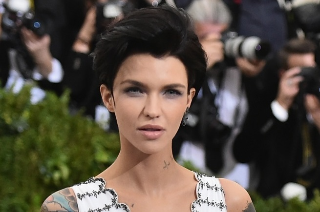 Oitnb S Ruby Rose Lands Resident Evil The Final Chapter: Ruby Rose Cast As The Arrowverse's